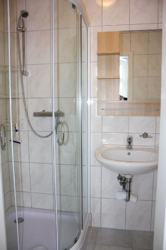 Haus Büdelsdorf - Wohnung 2 - Duschbad